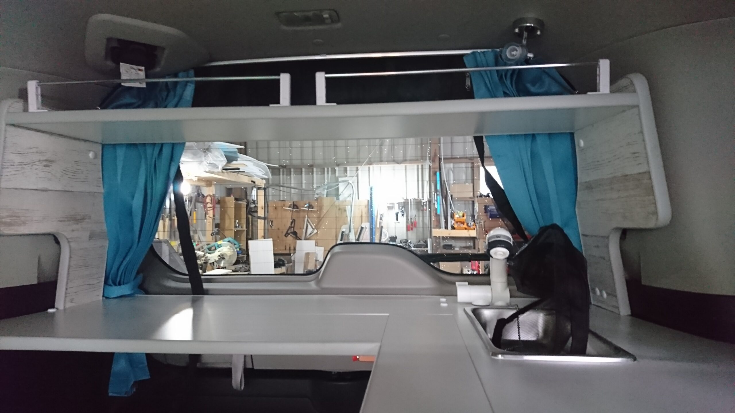 セレナ架装 移動事務室車